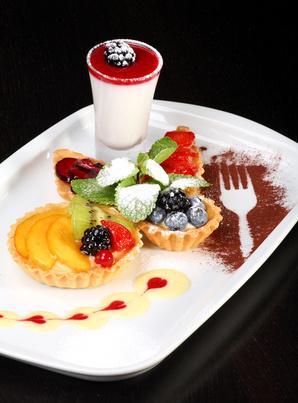 Mixed desert plate