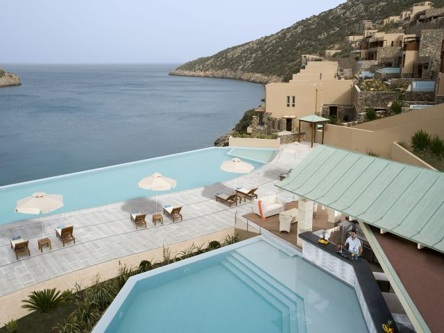 pool_at_the_GRAN_MELIA_DAIOS_COVE